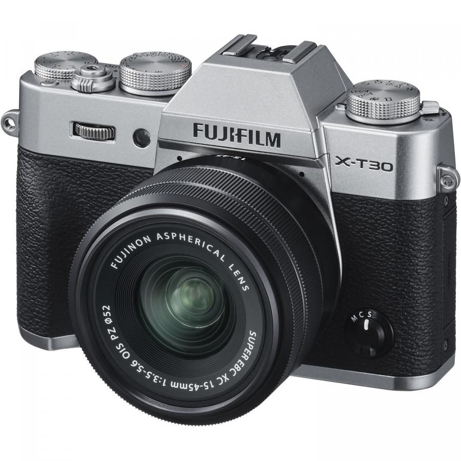 Fujifilm X-T30 + Fujinon XC 15-45mm f/3,5-5,6 OIS PZ, Strieborné.