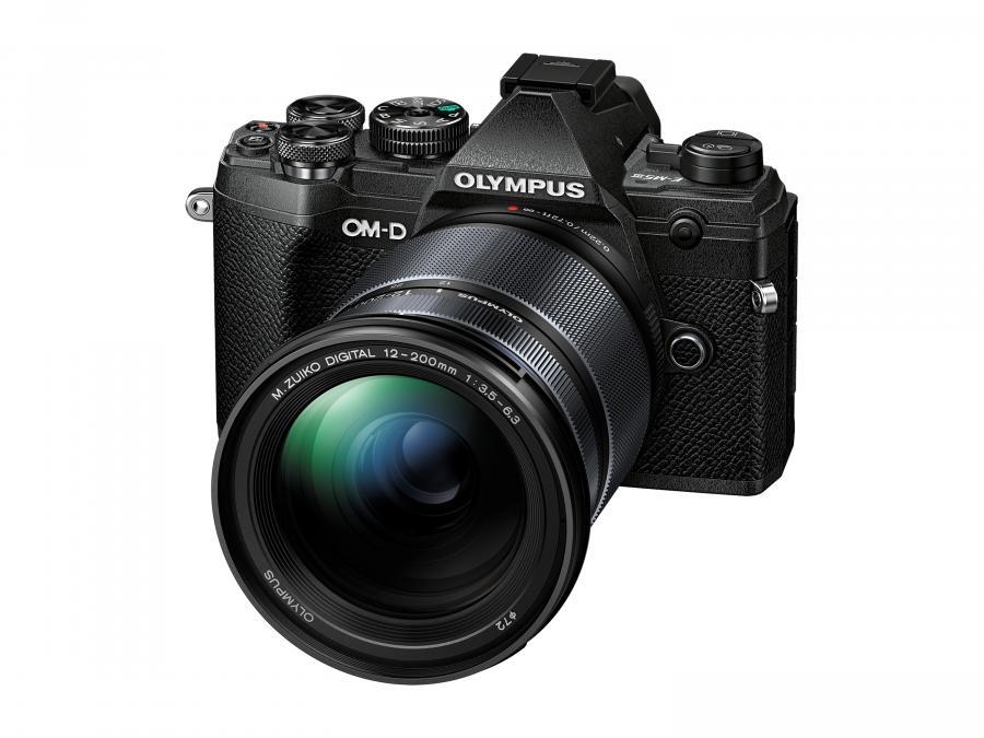 Olympus OM-D E-M5 Mk.III + M.ZD ED 12-200mm f/3.5-6.3 čierny