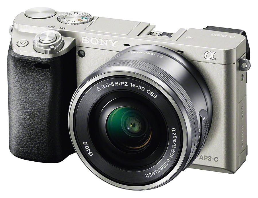 Sony Alpha A6000 + Sony E PZ 16-50mm f/3.5-5.6 OSS, sivý